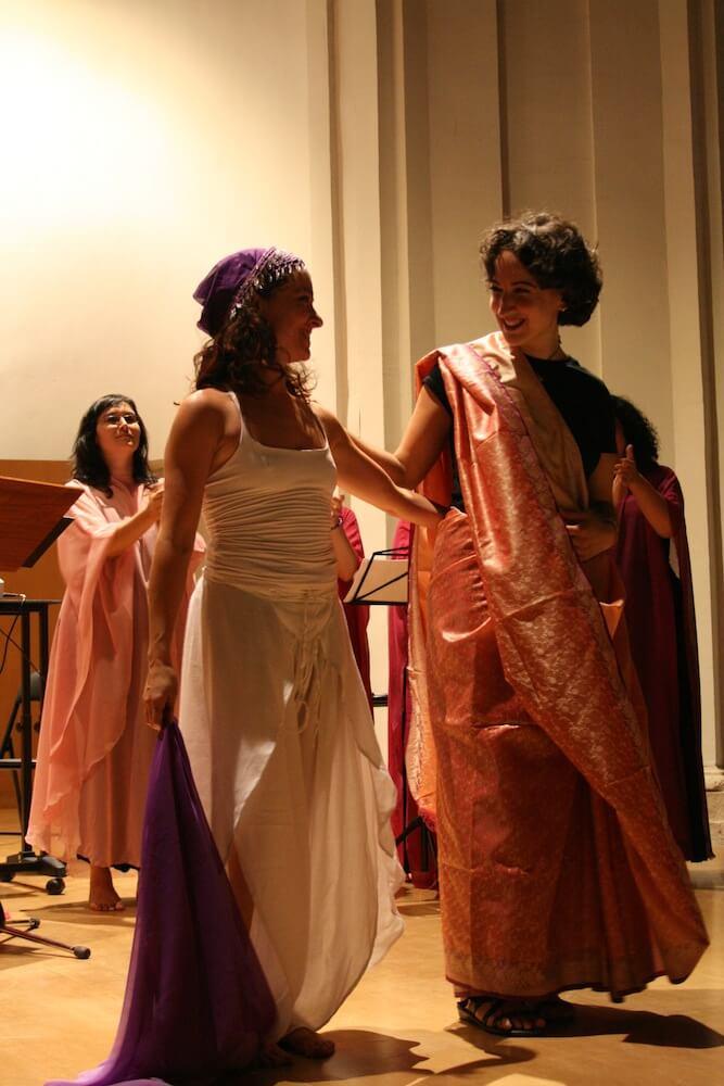 2010'VI'26. Concierto monográfico en Alcalá - LBaila, saludando con Noe
