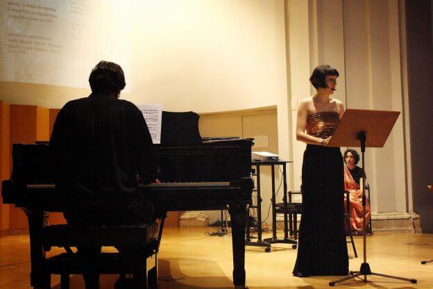 2010'VI'26. Concierto monográfico en Alcalá - Estela Ortega y Carlos Rodríguez interpretando '¿Te acuerdas?'