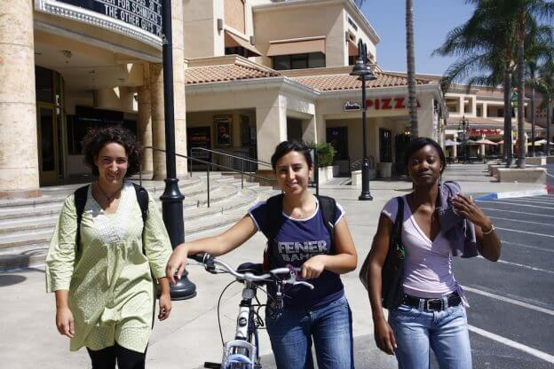 2010'VII. Riverside - saliendo de clase