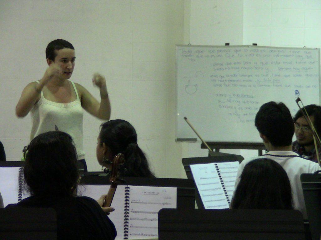 2012. Ensayo con la Orquesta Juvenil Nacional en el CENAR