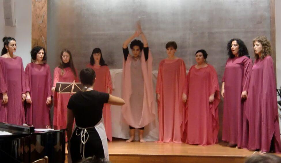 2012'XI'18. IV MONO+GRAPHIC. 'LBaila' por Guayi, Amaya, Laura, Estela, Eva, Myriam, Marián, Celia y Pili.