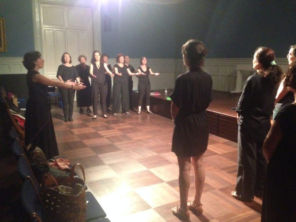 2016'VI'27. Coro Fulbright, concierto de fin de curso - cantando 'Nesta Rua'